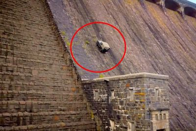 Video: The Guys At Top Gear Thought It Was A Good Idea To Climb Out A Dam Wall With A Land Rover...