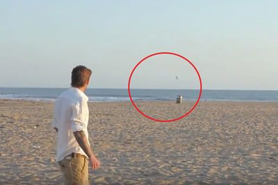 Video: The Legendary David Beckham Makes 3 Unbelievable Football Trick Shots!