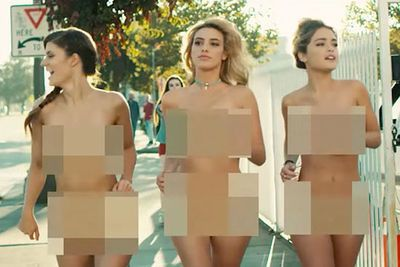 Video: Blink-182 Flip The Script In 'she's Out Of Her Mind' ' Instead Of The Now '40-something' Lads Running Through The Streets Naked, They Leave That Task Up To Sexy Babes!