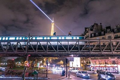 Video: Young British Lads Film Themselves Illegally Train Surfing In Paris, Run Along Roofs As Carriages Speed Past The Eiffel Tower At Night!