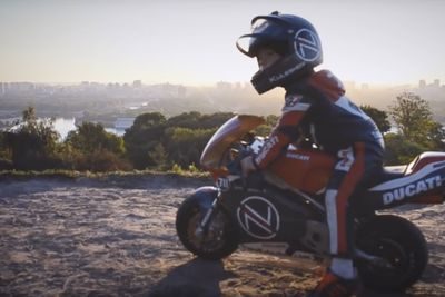 Video: 4-year-old With Insane Motorcycle Skills!!