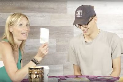 Video: Single People Get Their Tarot Cards Read!