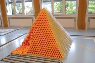 Video: Largest 3d Pyramid, Gets Dominoed!