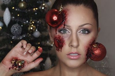 Video: Christmas Make Up To Bring That Sparkle Into The Holidays