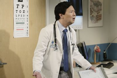 Video: Dr Ken Jeong (mr Chow) Leaps Off Stage To Help An Audience Member In Trouble
