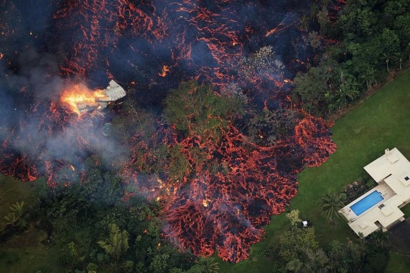 Video: Molten Lava Engulfs Hawaii Destroying Everything In Its Way 1