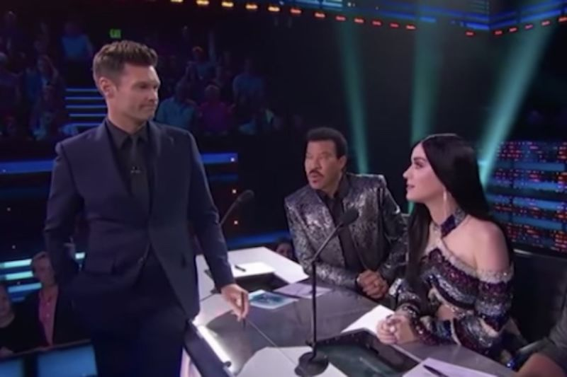 Video: Ryan Seacrest Goes Full Sexual Harassment On Idols 1