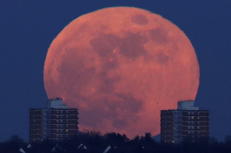 Video: The Longest Lunar Eclipse Of The Century... Could This Be The End? 1