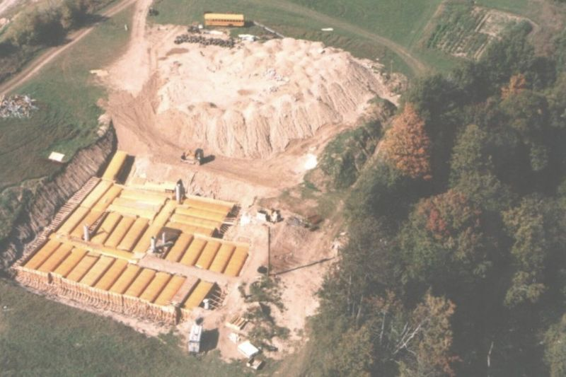 Doomsday Prepper Builds Underground Bunker With 42 School Buses 1