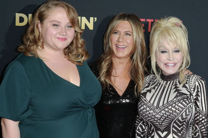 Jennifer Aniston And Dolly Parton Interview Each Other | Dumplin 1