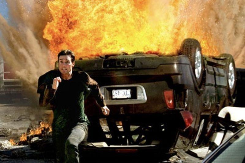 Explosives Expert Rates Unrealistic Movie Explosions 1