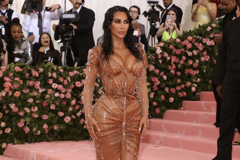 Kim Kardashian Getting Ready For The Met Gala 2019 1
